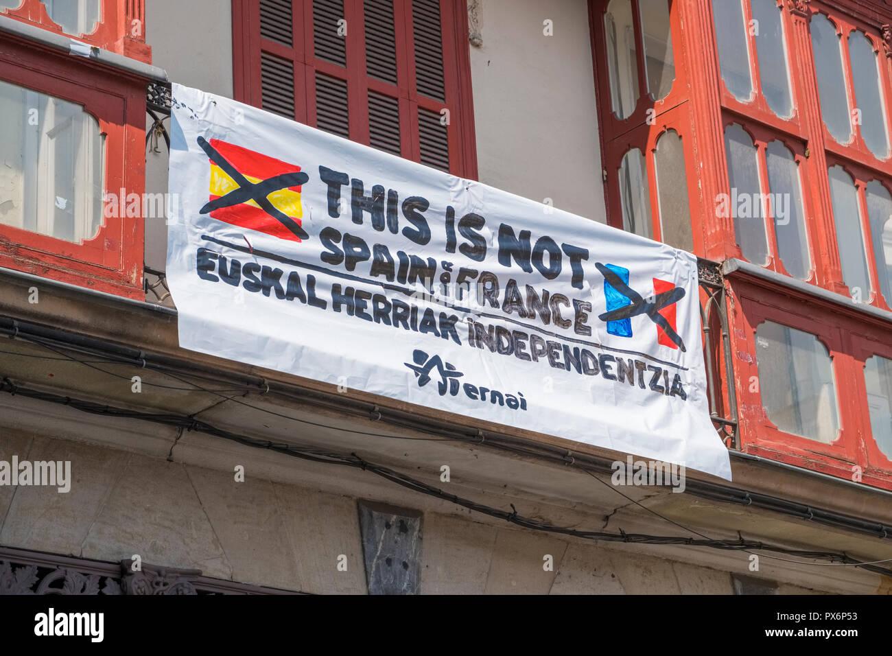 Baskische Unabhängigkeit banner Zeichen in der Altstadt, Bilbao, Spanien, Europa Stockbild