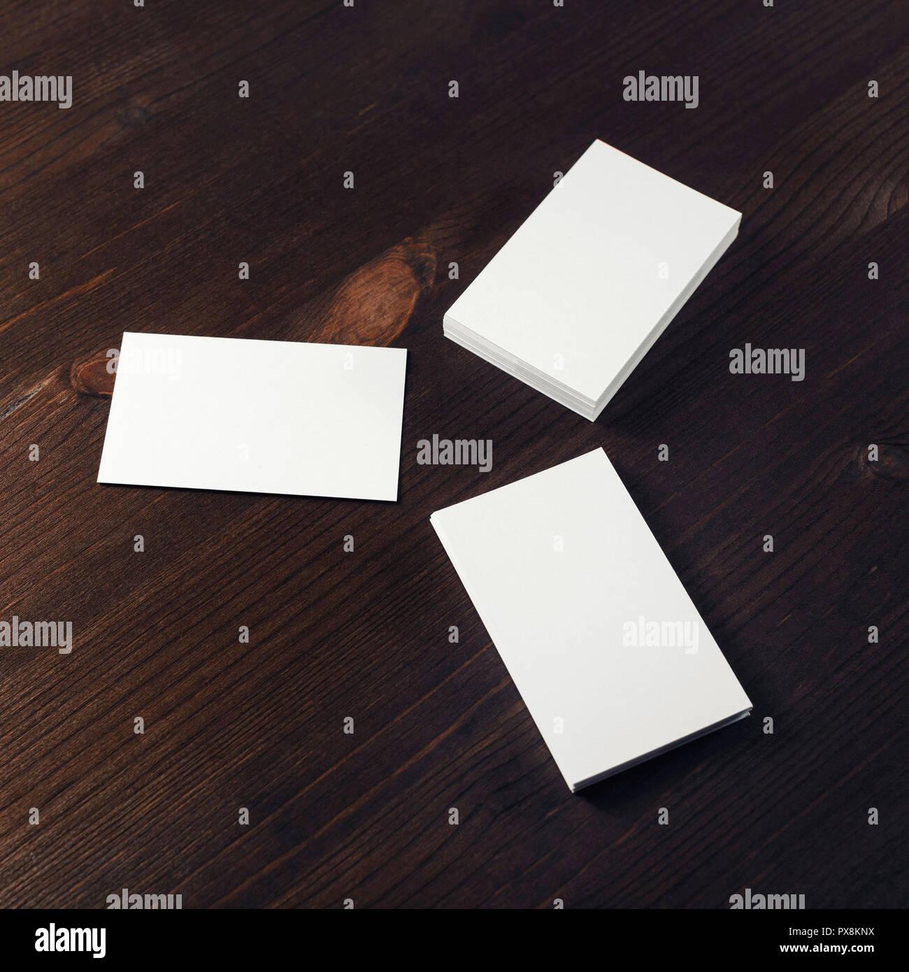 Drei Leere Weiße Visitenkarten Auf Holz Hintergrund Für