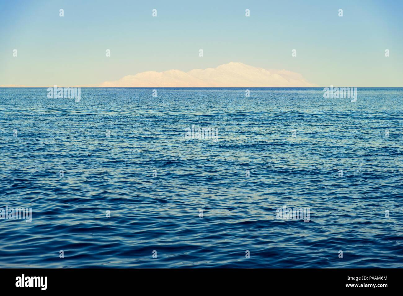 Blick auf die Insel Tiran Stockbild