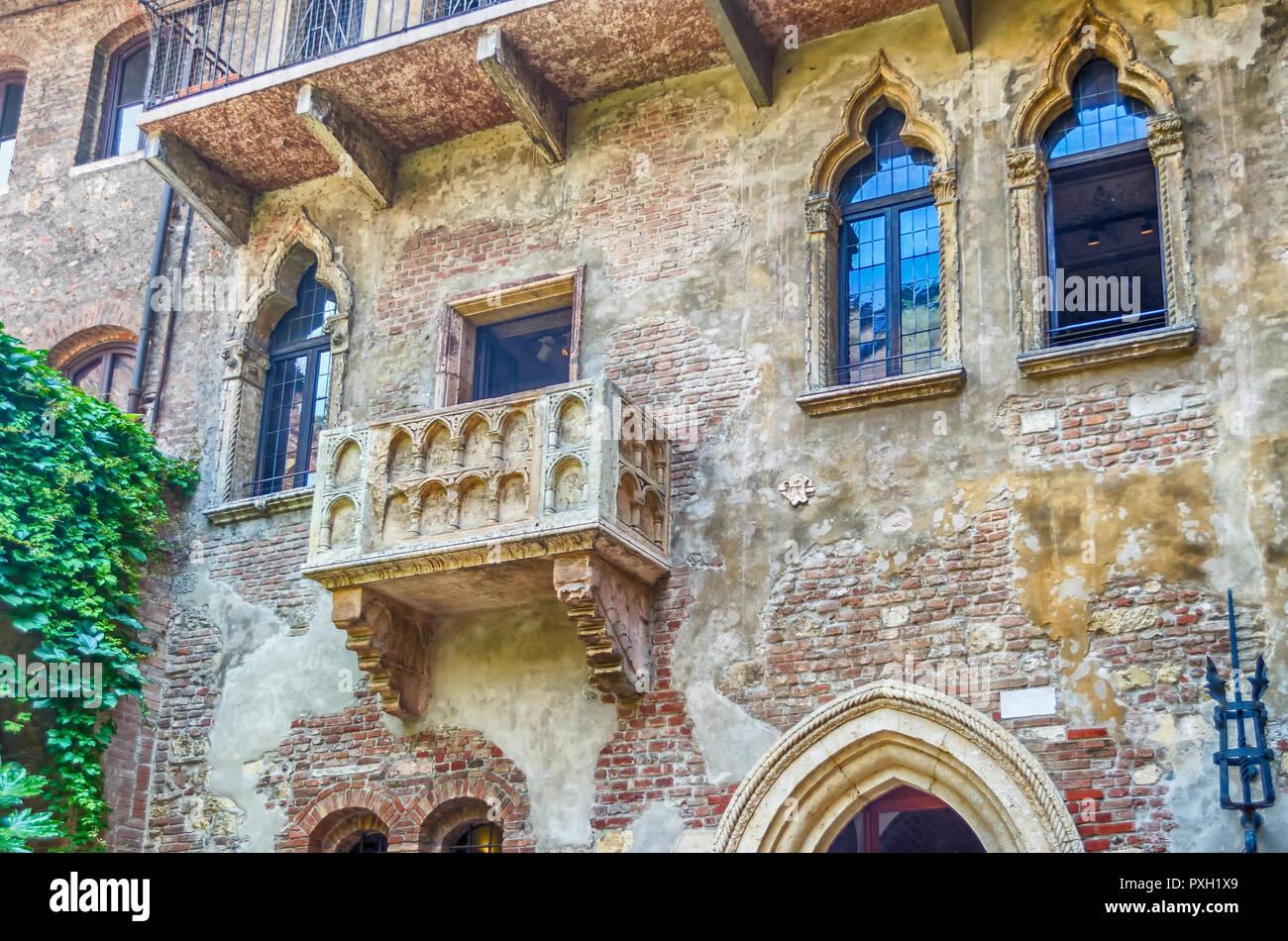 Der Beruhmte Balkon Von Romeo Und Julia In Der Casa Di Giulietta In