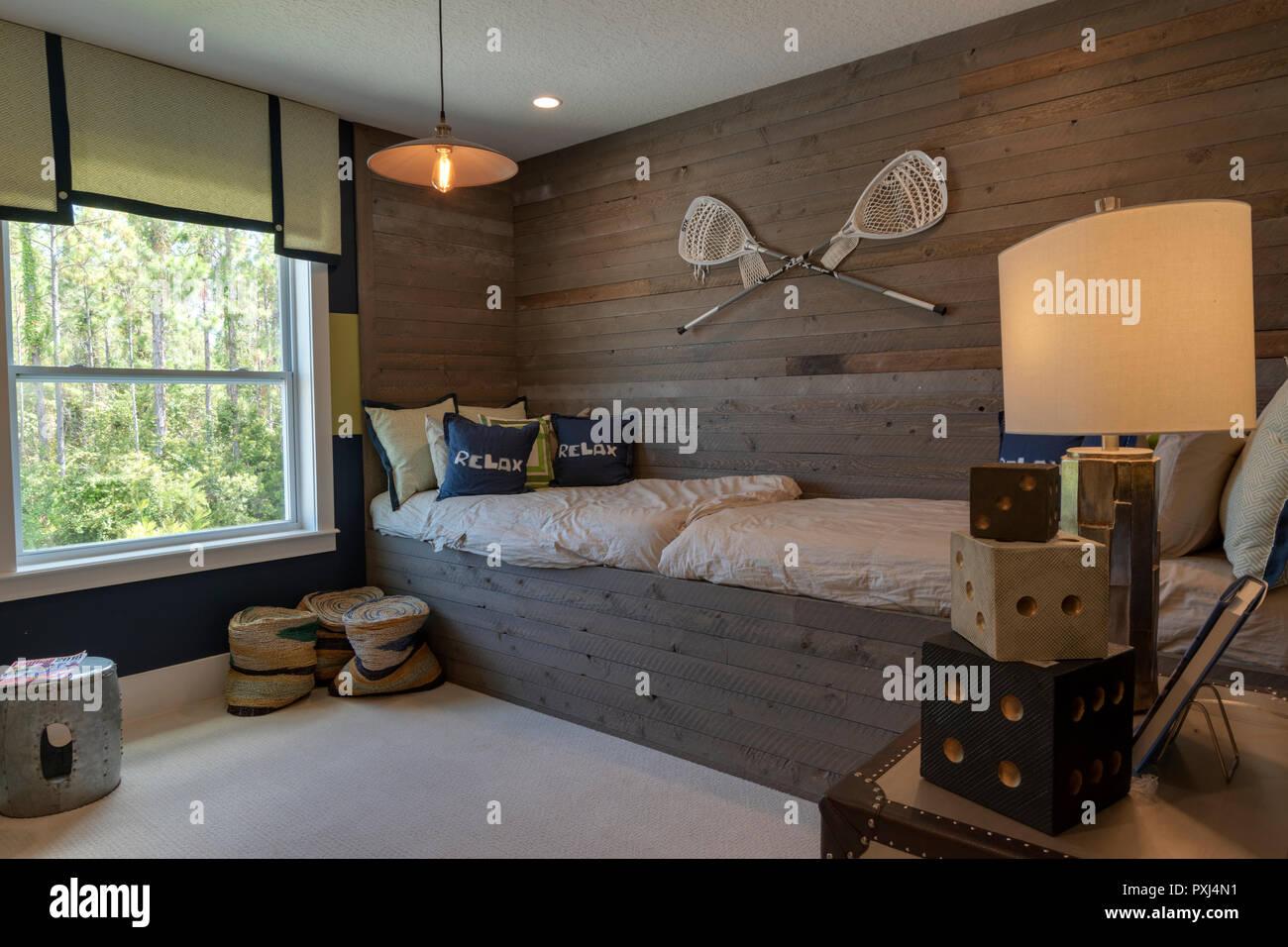 Jungen Schlafzimmer mit lacrosse Thema mit einem Bett und Blick ...