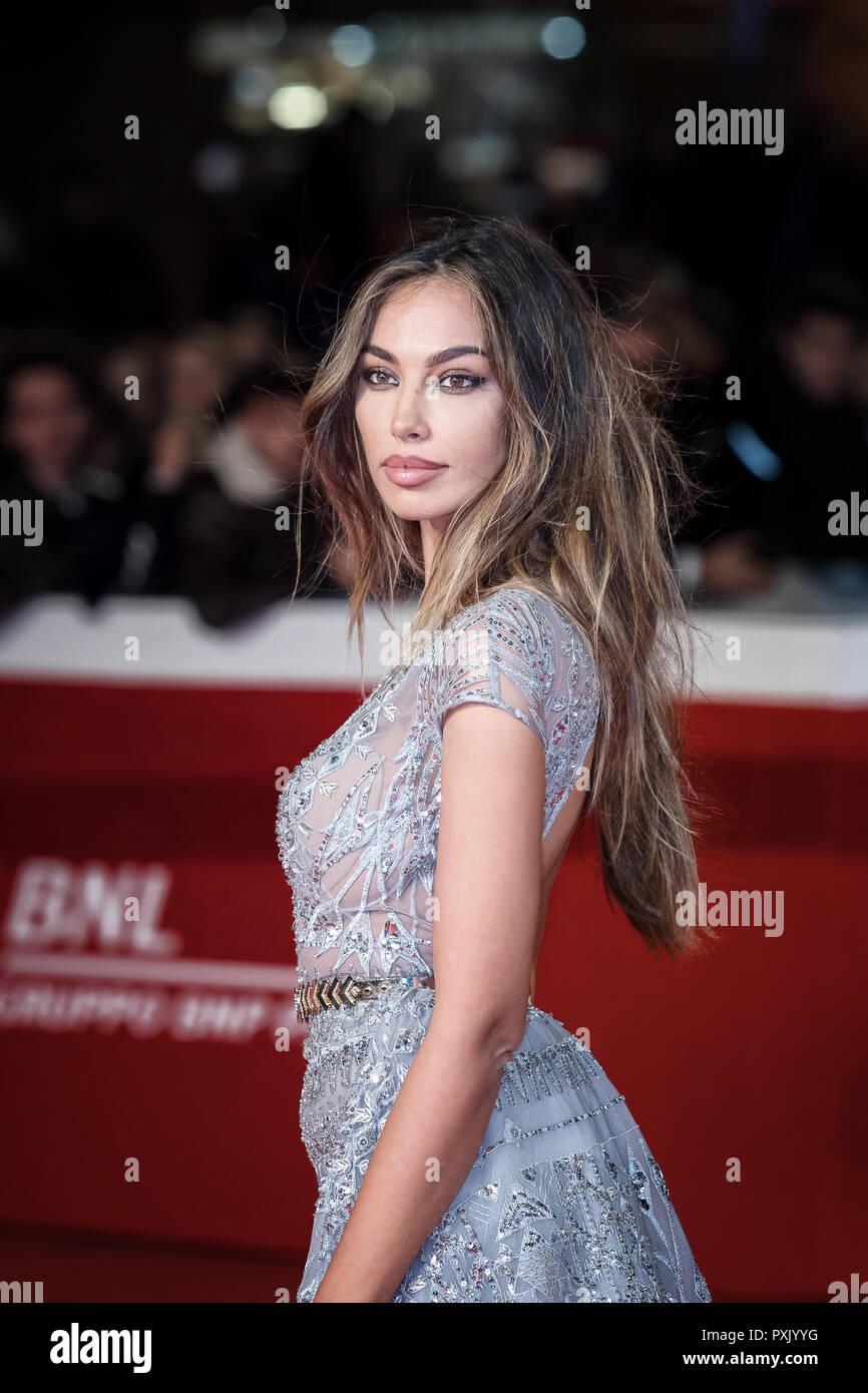 Madalina Ghenea Stockfotos und -bilder Kaufen - Alamy