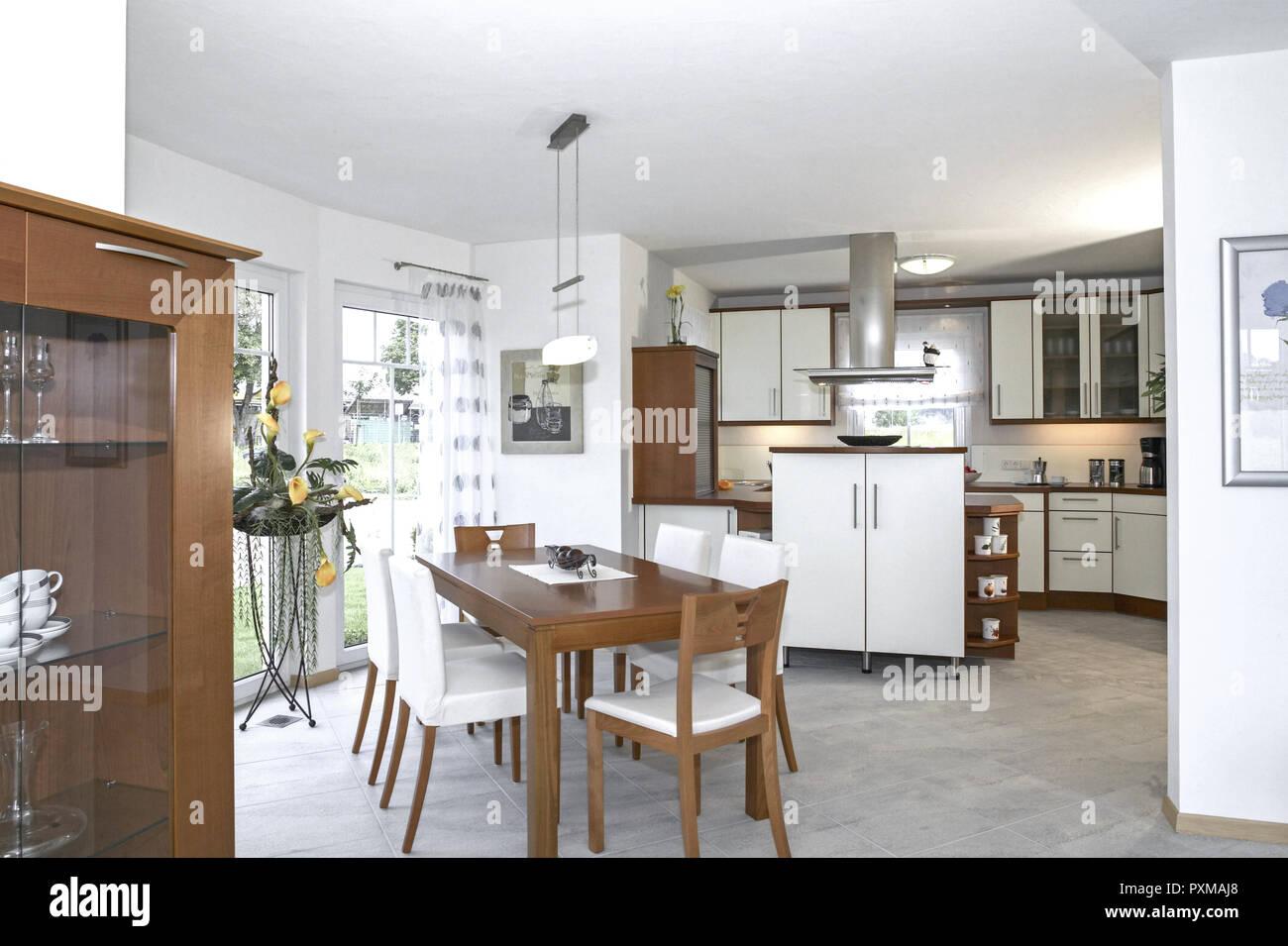 Esszimmer Kueche Wohnen Innenaufnahme Inneneinrichtung Wohnung