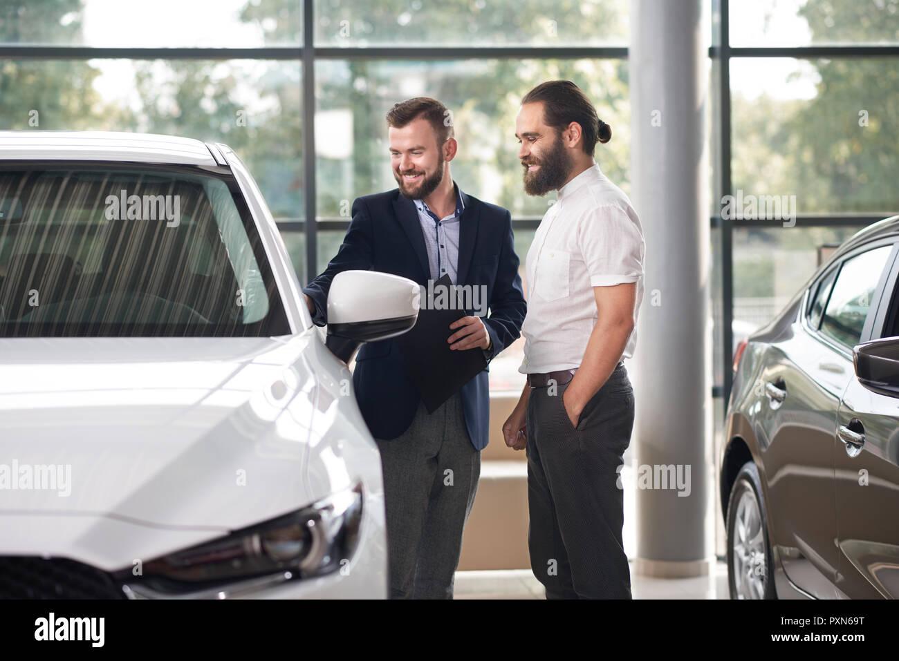 Autohändler Stockfotos Autohändler Bilder Alamy