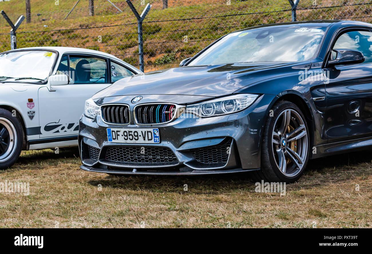 Silber Bmw M4 Sportwagen Stockfoto Bild 223034948 Alamy