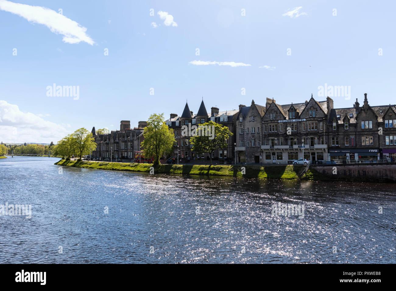Großbritannien Schottland Inverness Häuser am Fluss