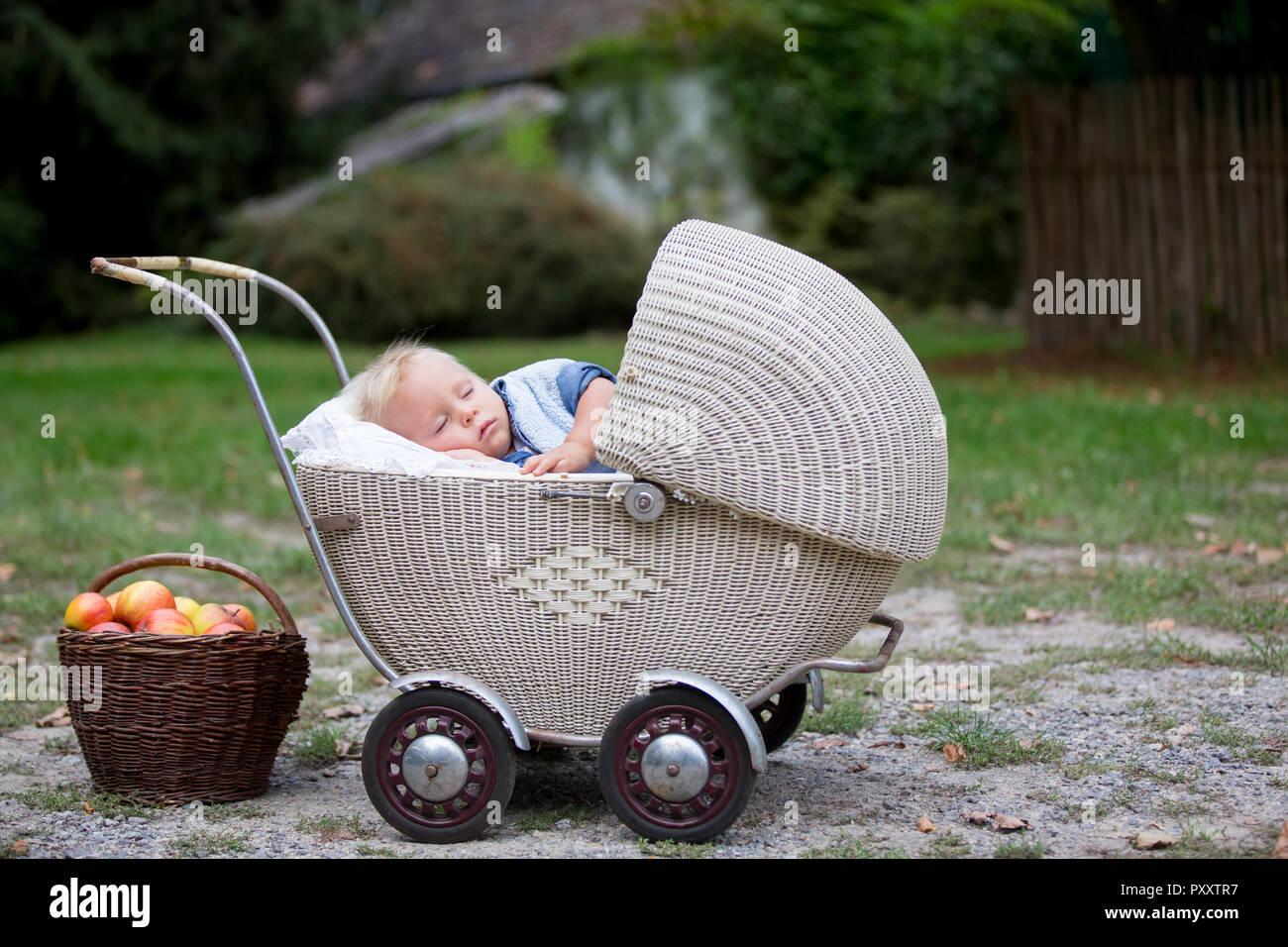 Baby stubenwagen vintage ⇒ das vintage bett wo luxus auf komfort