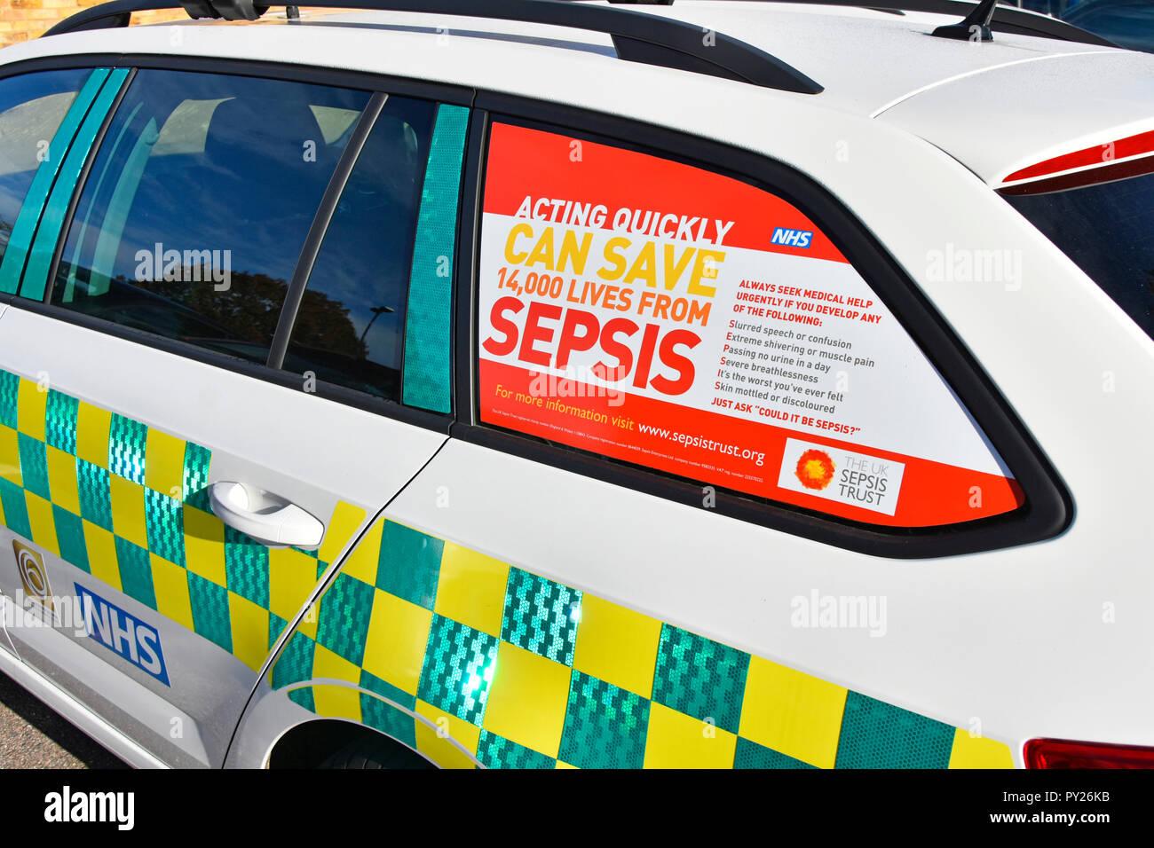 Healthcare Bewußtsein Plakat werbung promotion Retten von Sepsis NHS ärzte Auto Fenster in National Health Service Krankenhaus Essex England Großbritannien Stockfoto