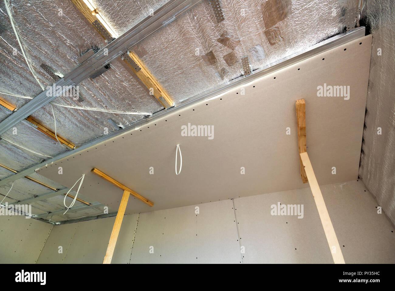 Winkel, Ansicht von unfertigen Zimmer im Bau und Renovierung mit
