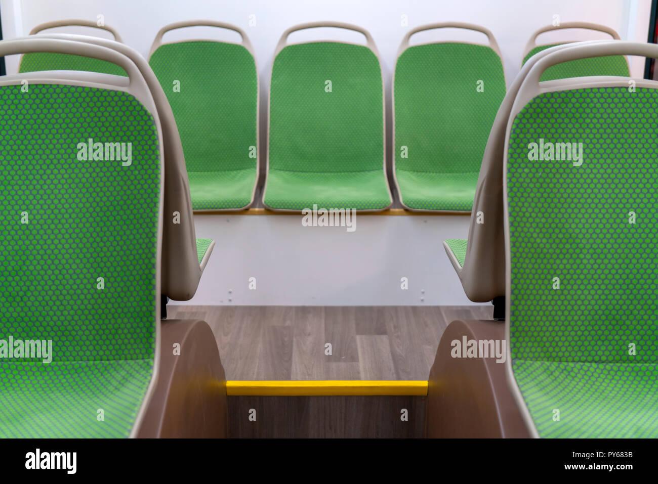 Salon Moderne Bus. Sitzplätze für Passagiere Stockfoto, Bild ...