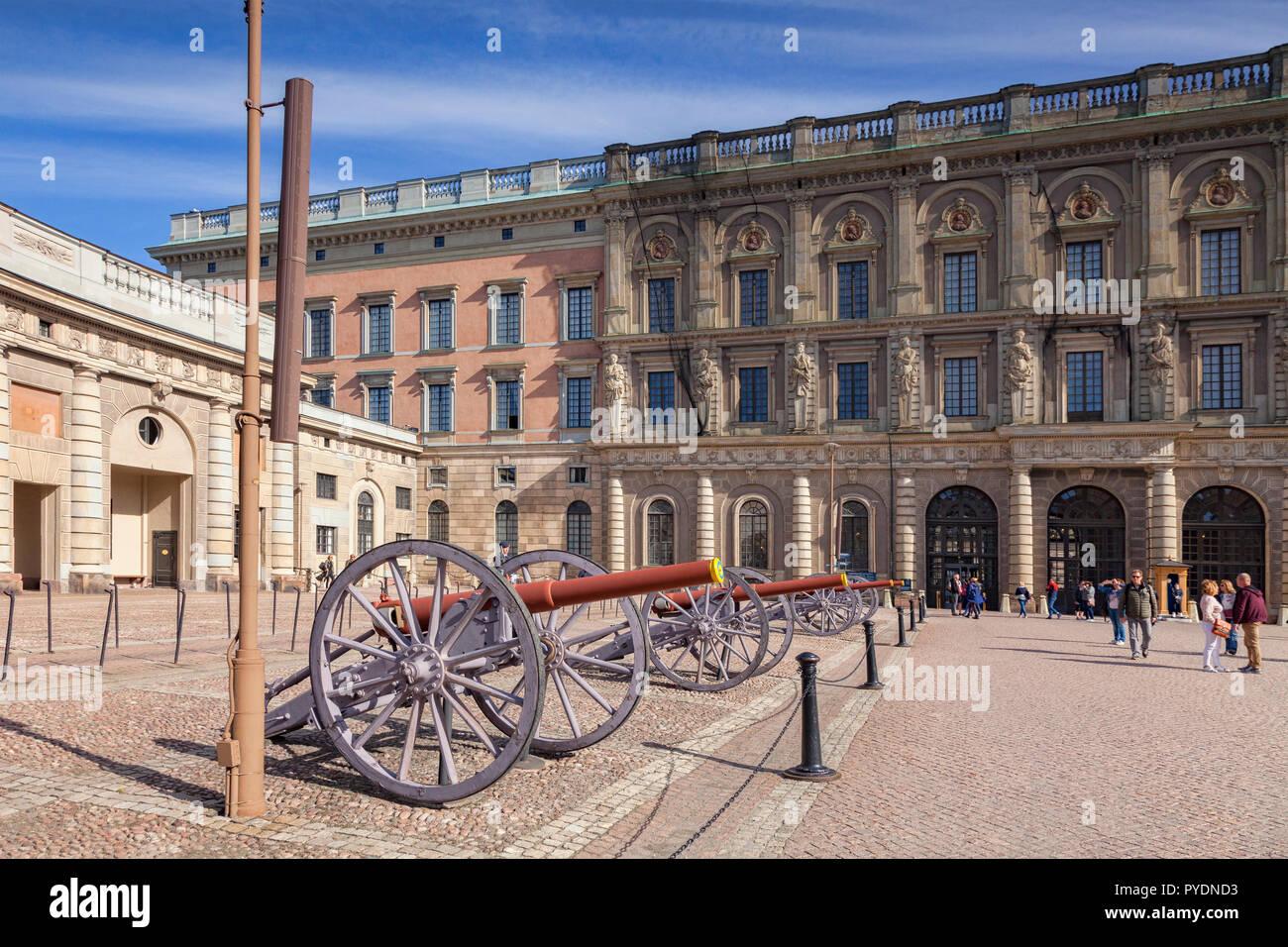 16. September 2018: Stockholm, Schweden - Kanonen auf Anzeige an der königlichen Palast. Stockbild