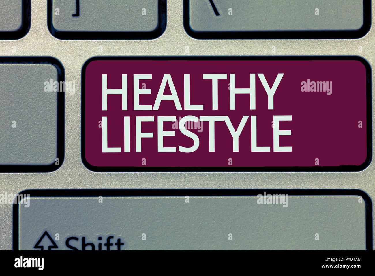 Handschrift Text schreiben gesunden Lebensstil. Begriff Sinne gesund Leben engagieren sich in der körperlichen Aktivität und Bewegung. Stockbild