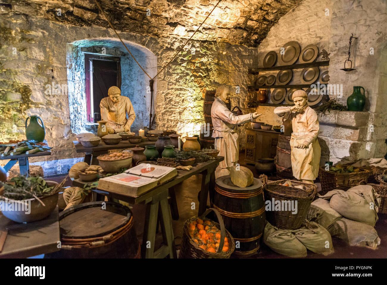 Eine Mittelalterliche Küche Szene Aus Den Großen Küchen In Stirling Castle,  Schottland