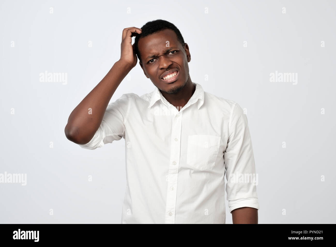 Mann beim treffen nervös [PUNIQRANDLINE-(au-dating-names.txt) 25