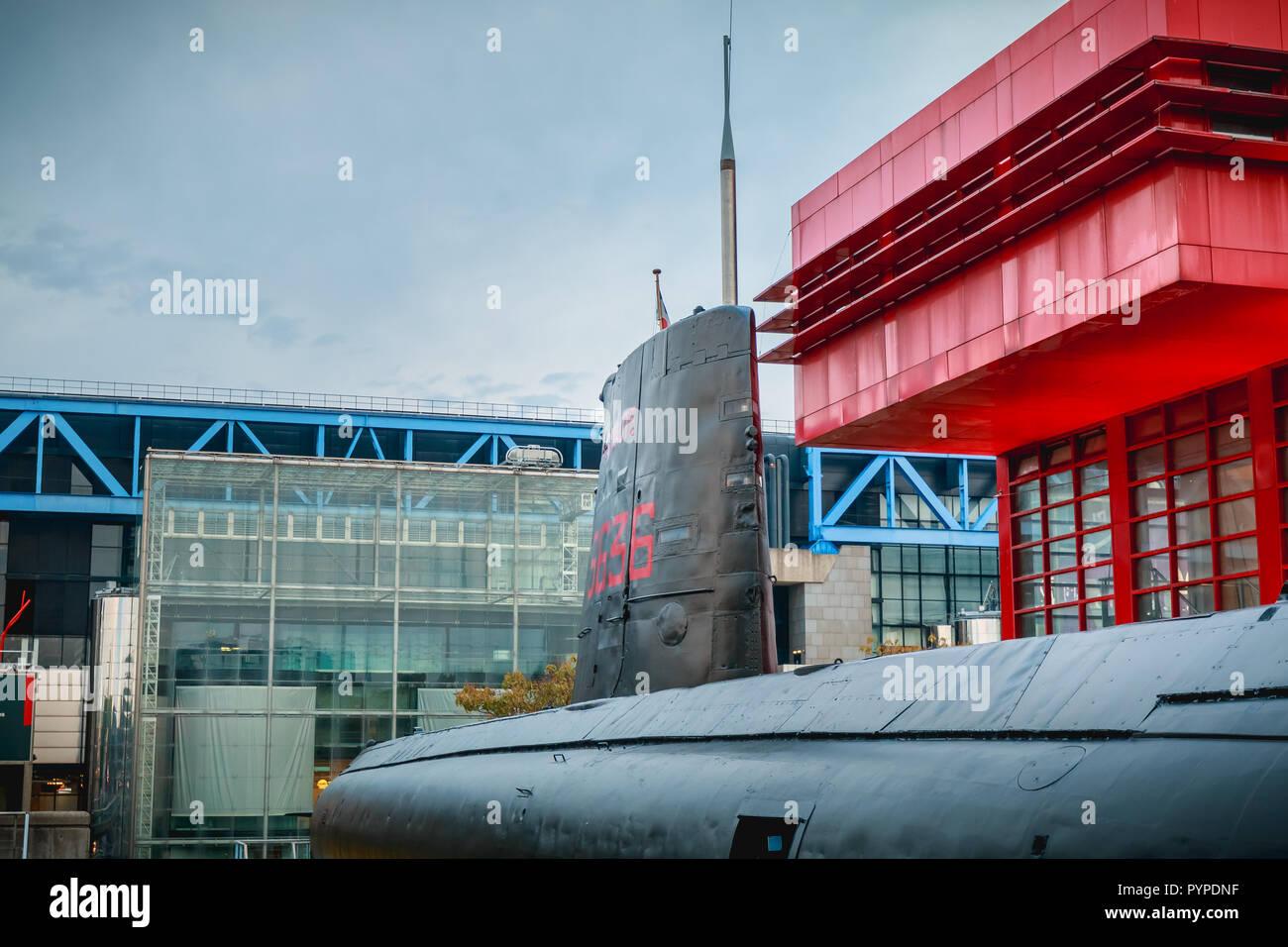 Paris, Frankreich, 6. Oktober 2018: Ausstellung der Französischen u-boot Argonaute, S 636 in Betrieb am 23. Oktober 1958 und unscharf am 31. Juli 1982 Stockbild