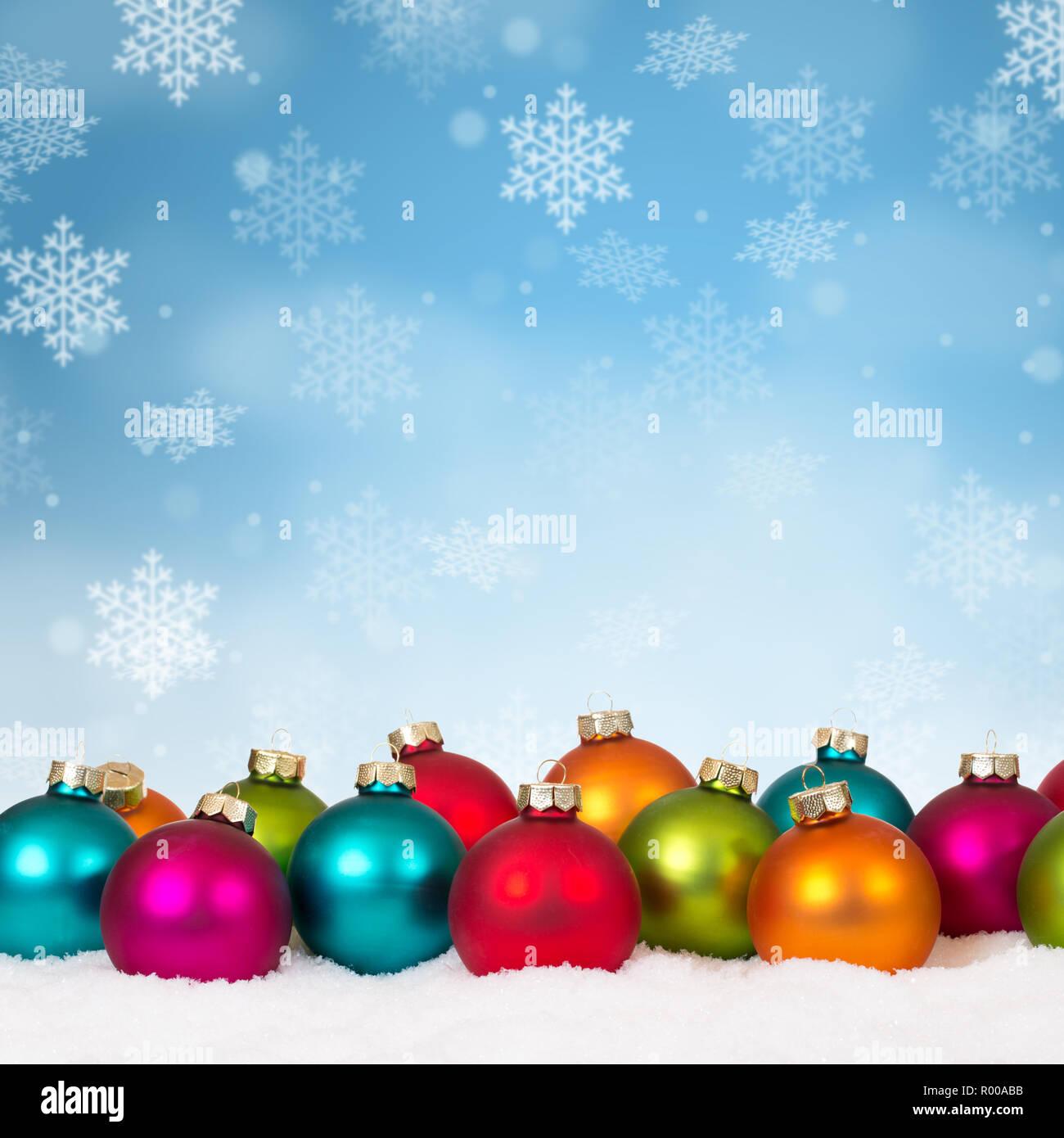Christbaumkugeln Kariert.Vielen Bunten Weihnachtskugeln Christbaumkugeln Hintergrund