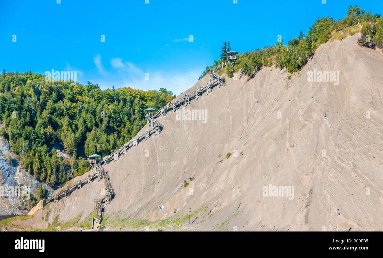 Klettersteig Quebec : Klettersteig auf den gipfel des montmorency falls in der nähe von