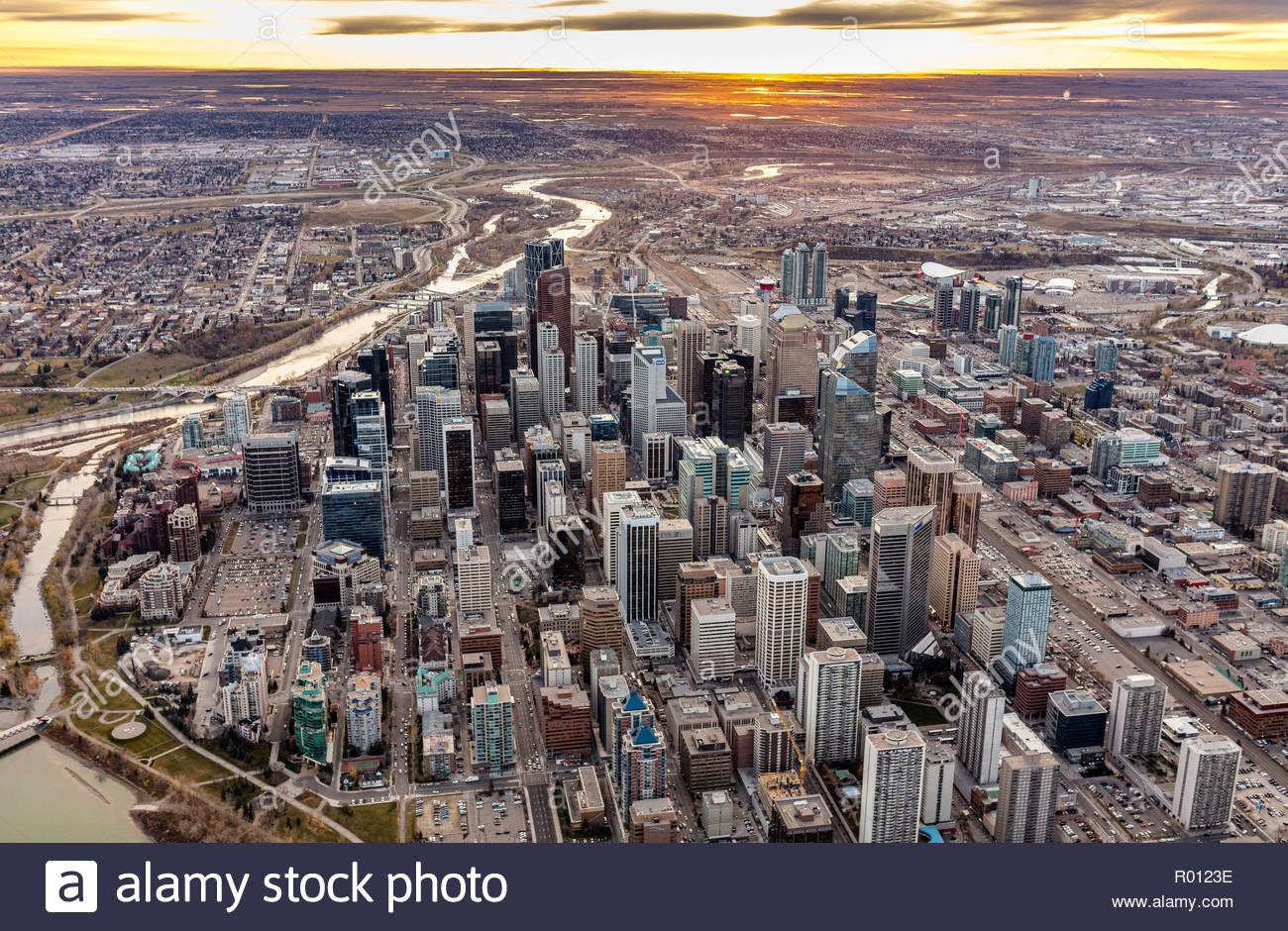 Sonnenaufgang über der Stadt Calgary, Alberta, Kanada Stockbild