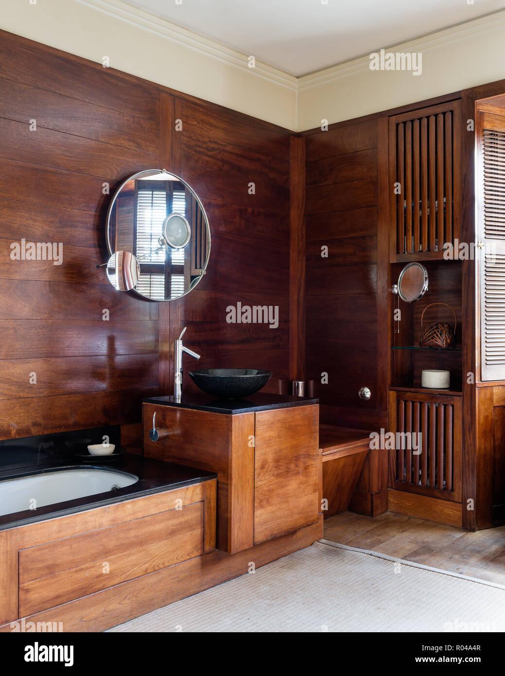 Holz Badezimmer Stockfoto Bild 223830567 Alamy