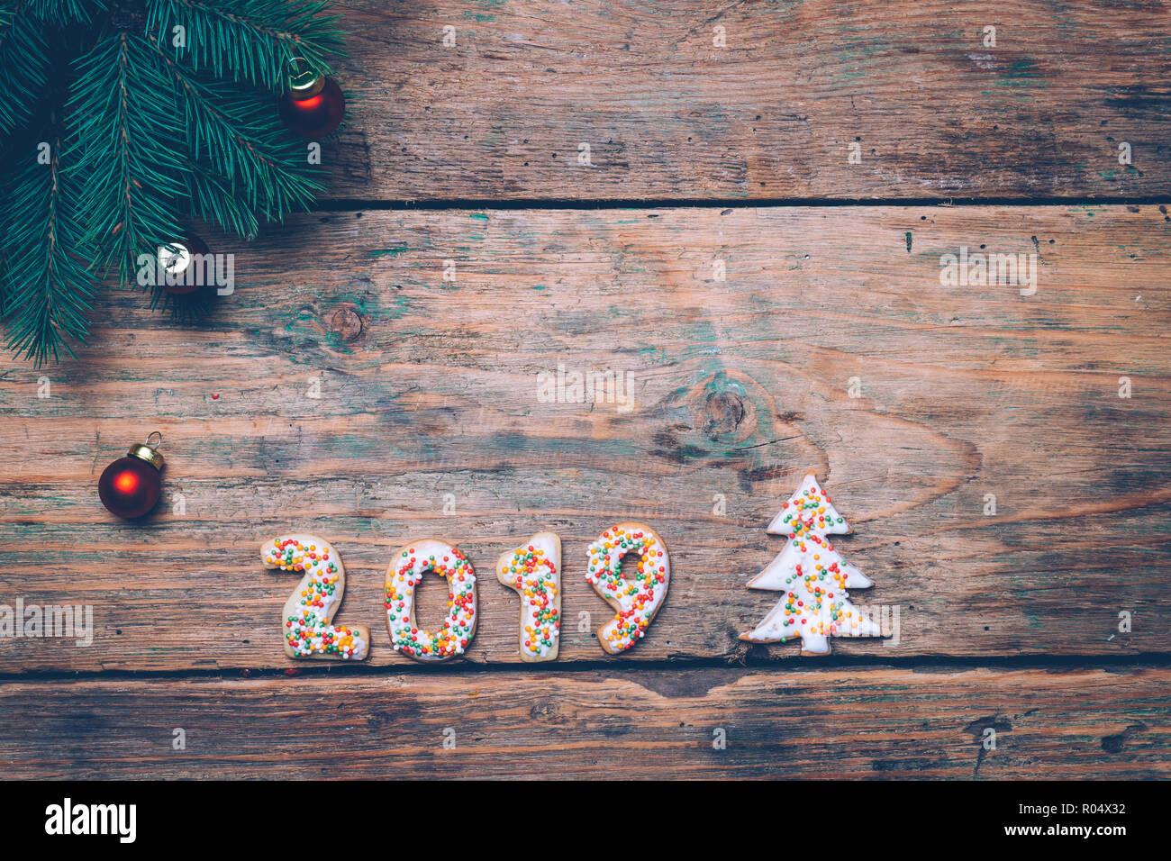 Neue Weihnachtsplätzchen 2019.2019 Hintergrund Frohes Neues Jahr 2019 Weihnachtsplätzchen In Form