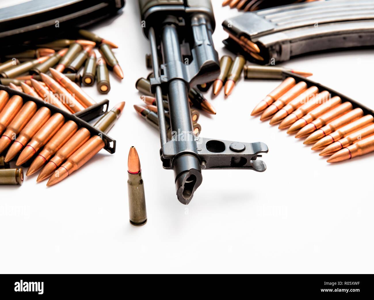 AK-47 Sturmgewehr mit scharfer Munition Stockbild