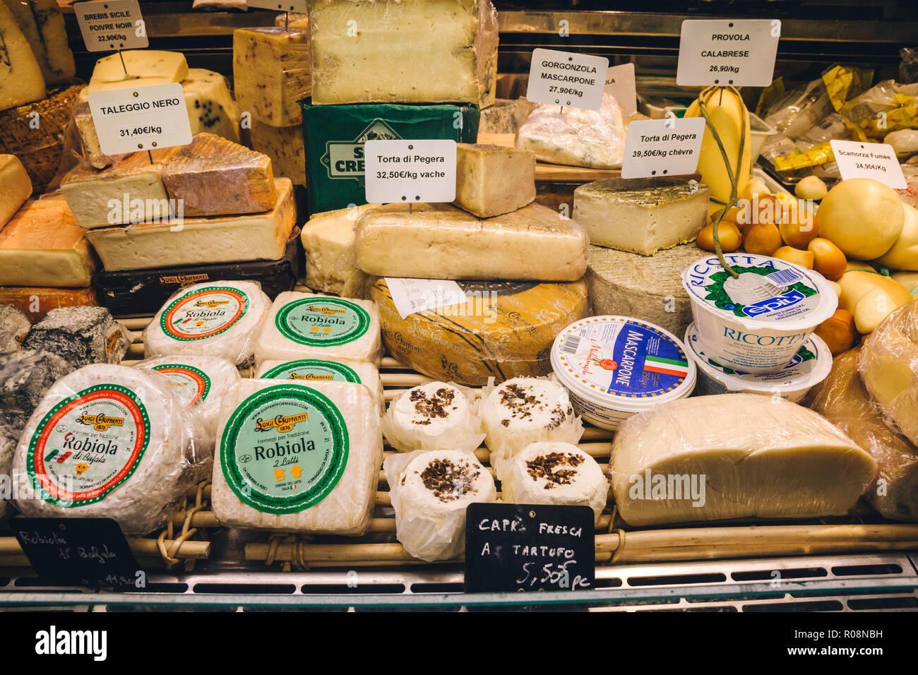 Käse, Marché des Capucins, Frankreich, Bordeaux, Frankreich 2017 Stockbild