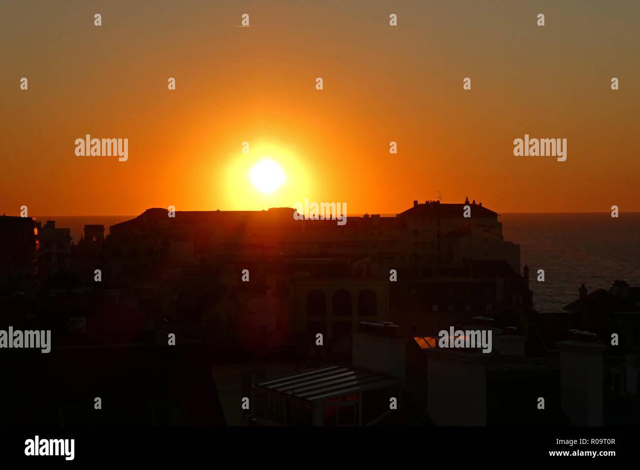 Sonnenuntergang in Biarritz, Pyrénées-atlantiques, Nouvelle-Aquitaine, Frankreich, Europa Stockbild