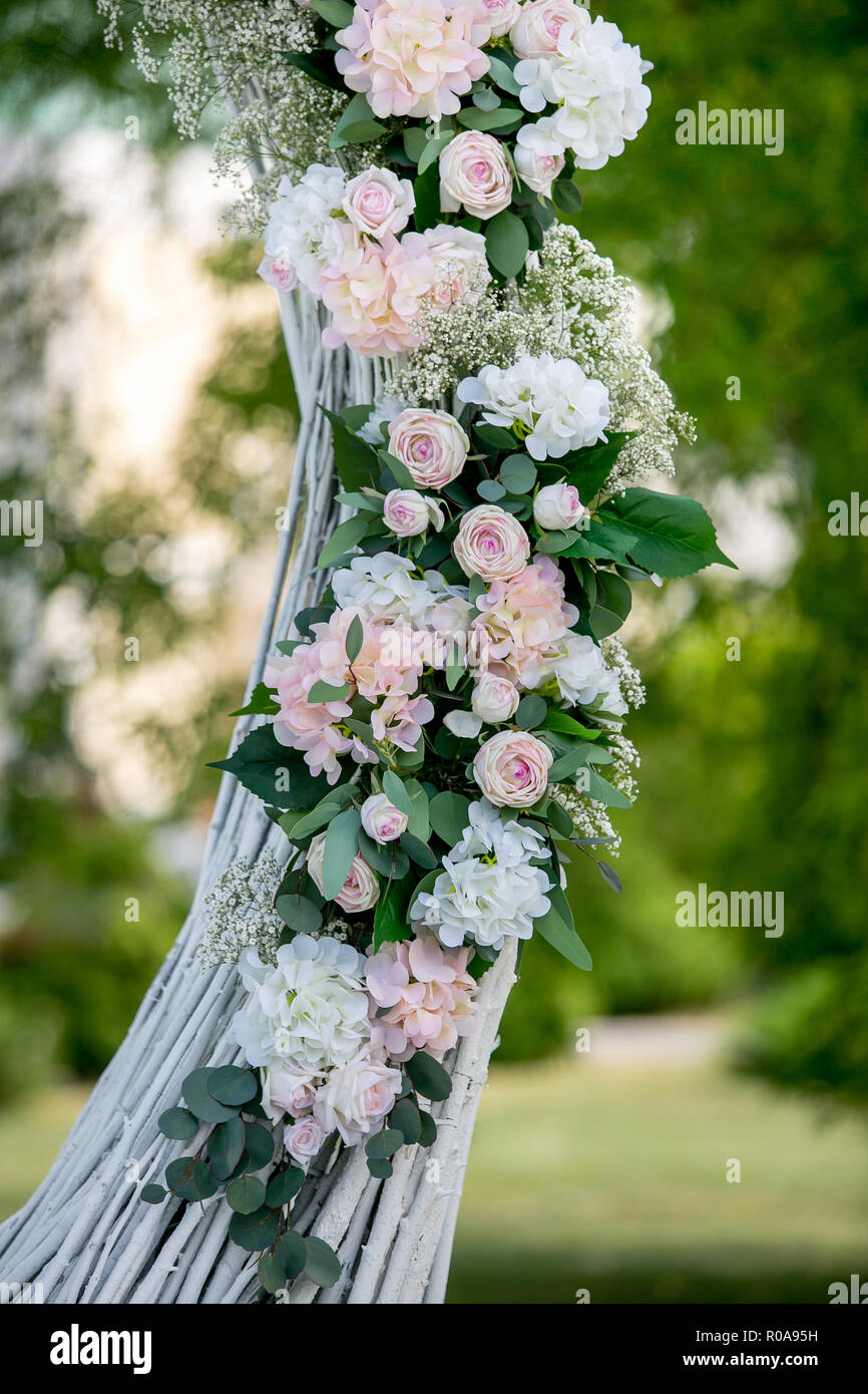 Aussenpool Im Sommer Hochzeit Dekoration Dekoration Von Weissen