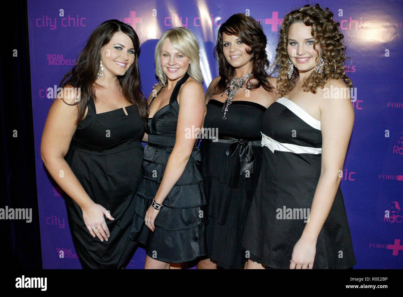 brand new c6d88 f803f L - r) Courtney Maxwell, Natalie Wakeling, Veronika Cvak und ...