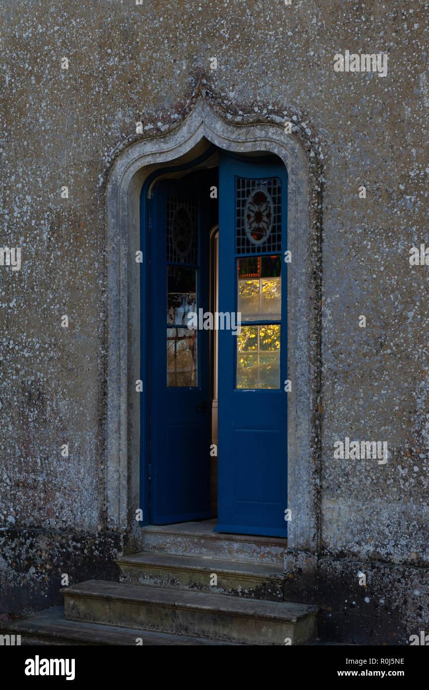 Eingang in die Bankett- Haus am Old Wardour Castle, in der Nähe von Tisbury, Salisbury, Wiltshire, UK. Stockbild