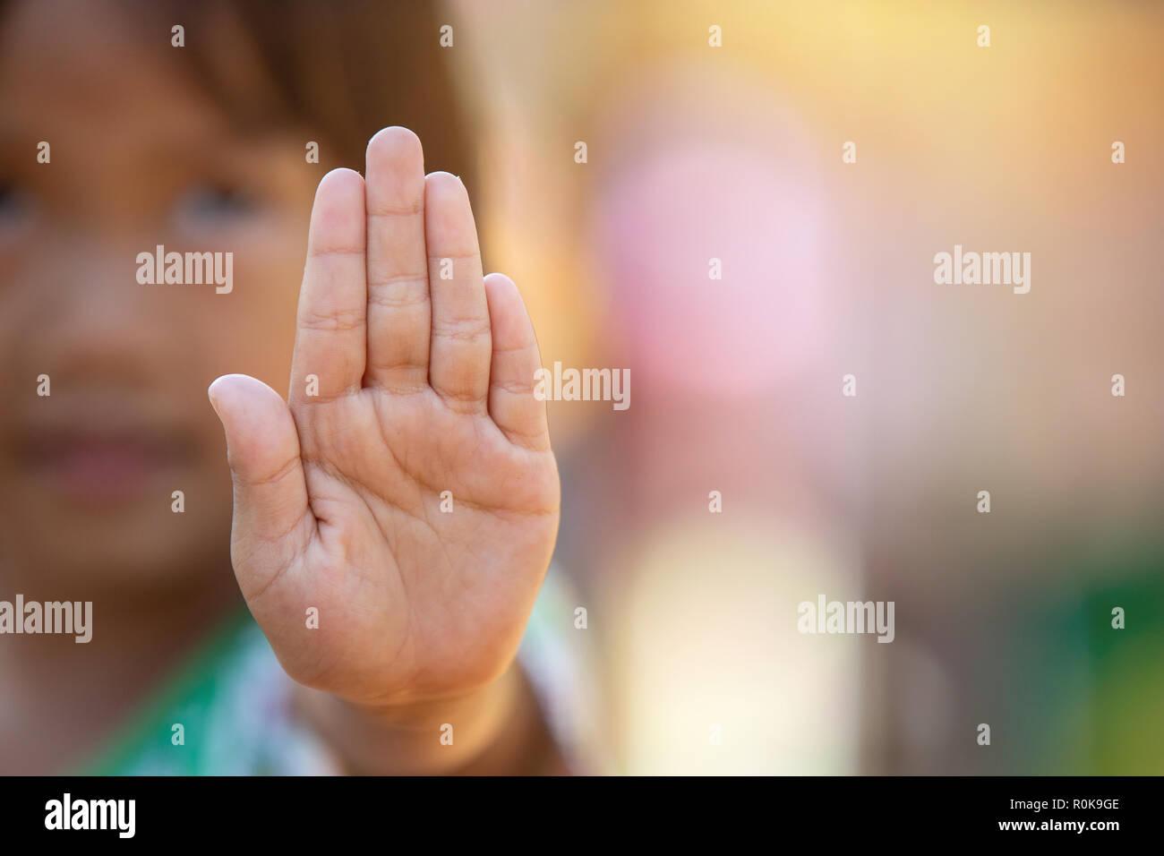 Stop Belästigung und Gewalt stoppen Missbrauch in Kind. Hand stop Nr. Stockfoto