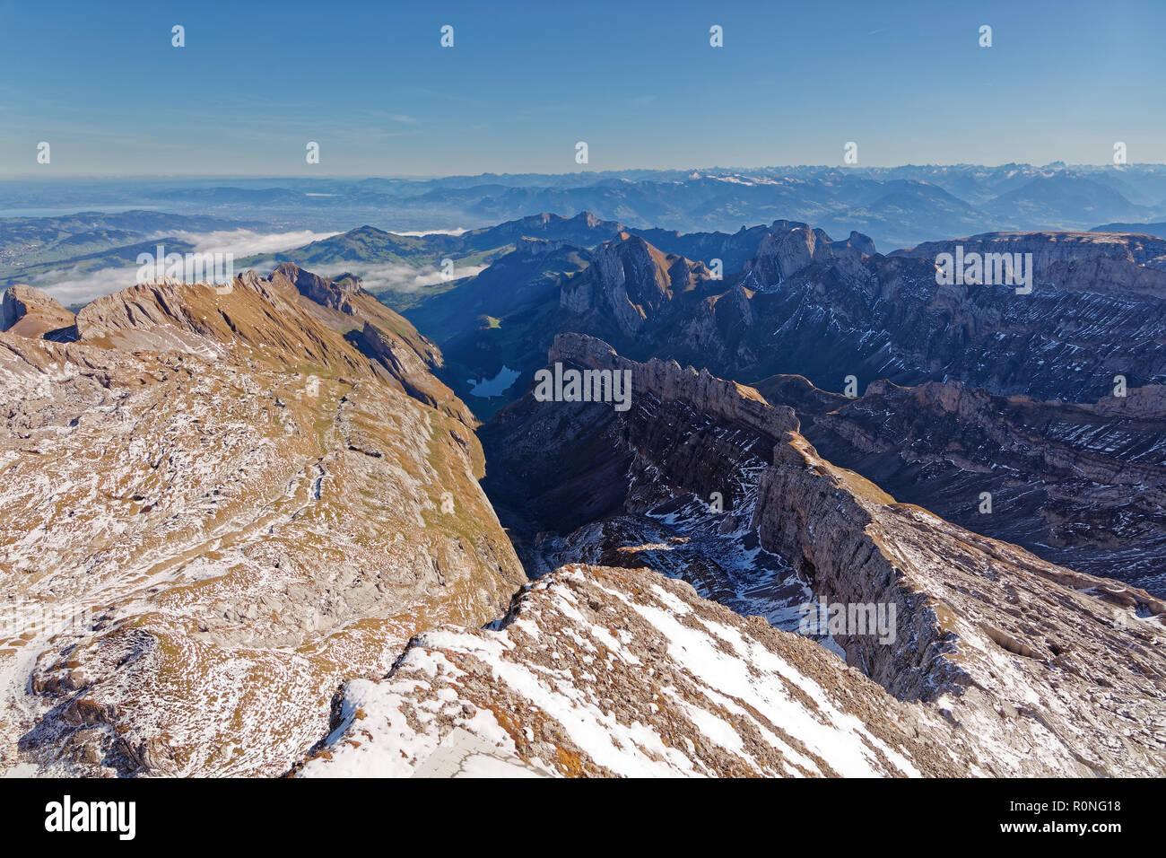 Sonnig, erster Schnee, Blick vom Säntis Richtung Norden, Alpstein - Appenzell Alpen, Schweiz Stockbild