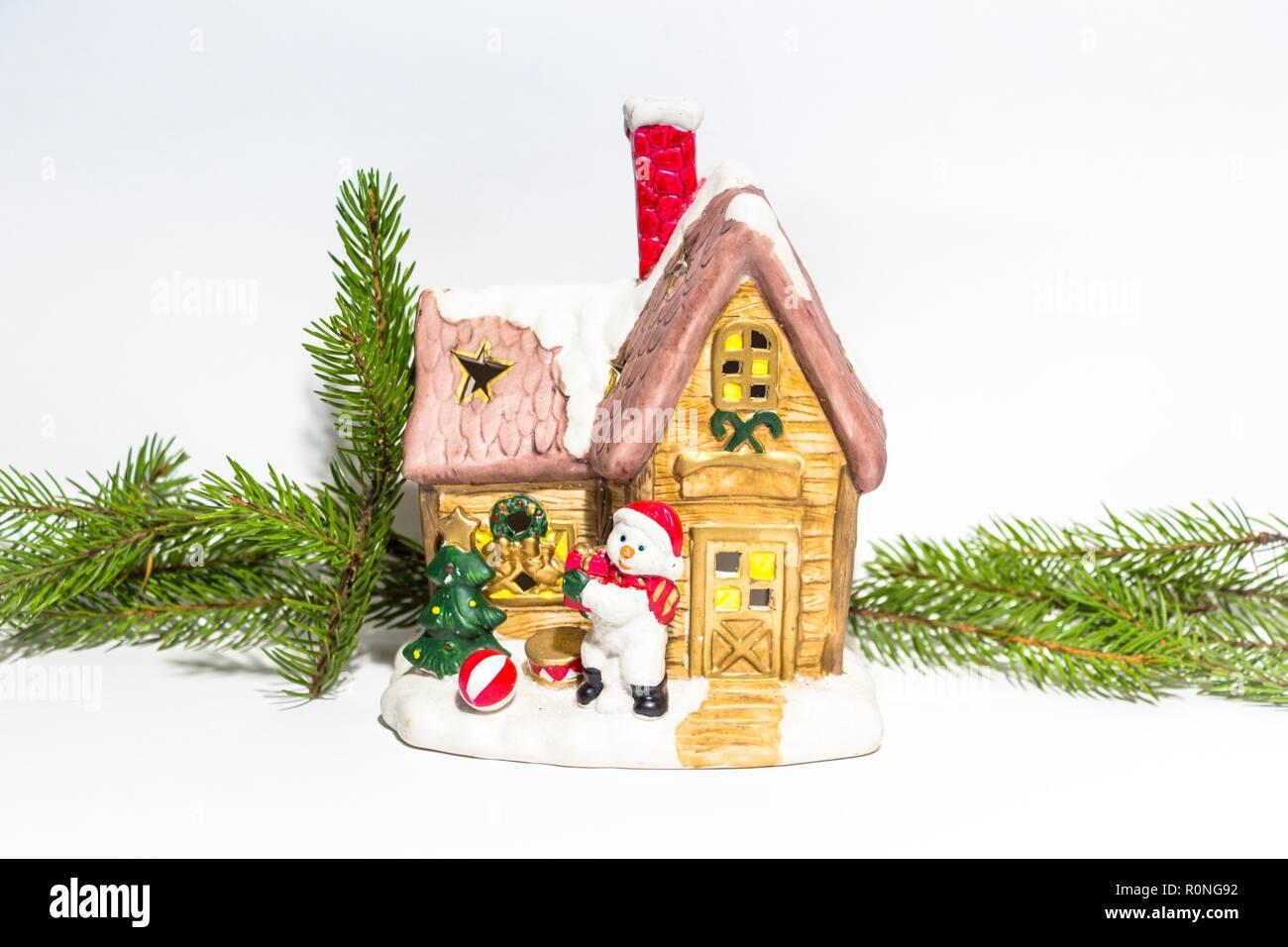 Weihnachtsbilder Tannenzweig.Schnee Dekorierte Fenster Stockfotos Schnee Dekorierte Fenster