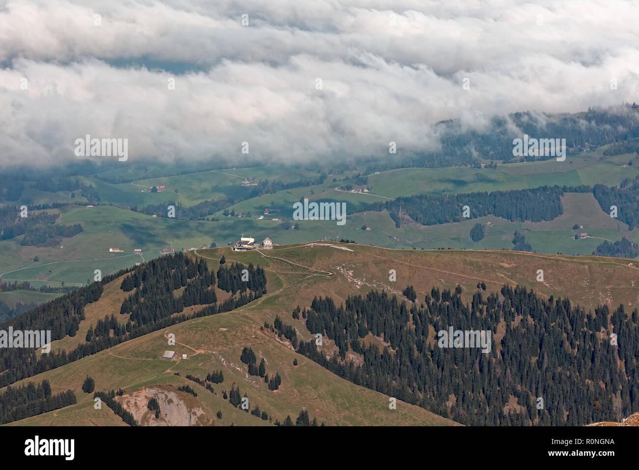 Mountain Inn Kronberg getrübte Blick vom Säntis/Säntis und Alpstein - Appenzell Alpen, Schweiz Stockbild
