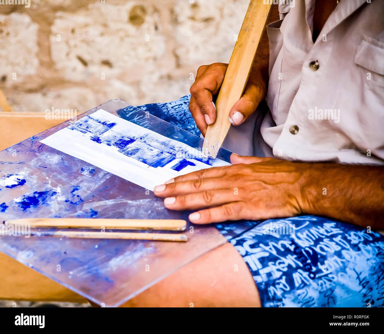 Kunstler Ausserhalb Der Stadtmauern Der Altstadt Von Dubrovnik Sitzen
