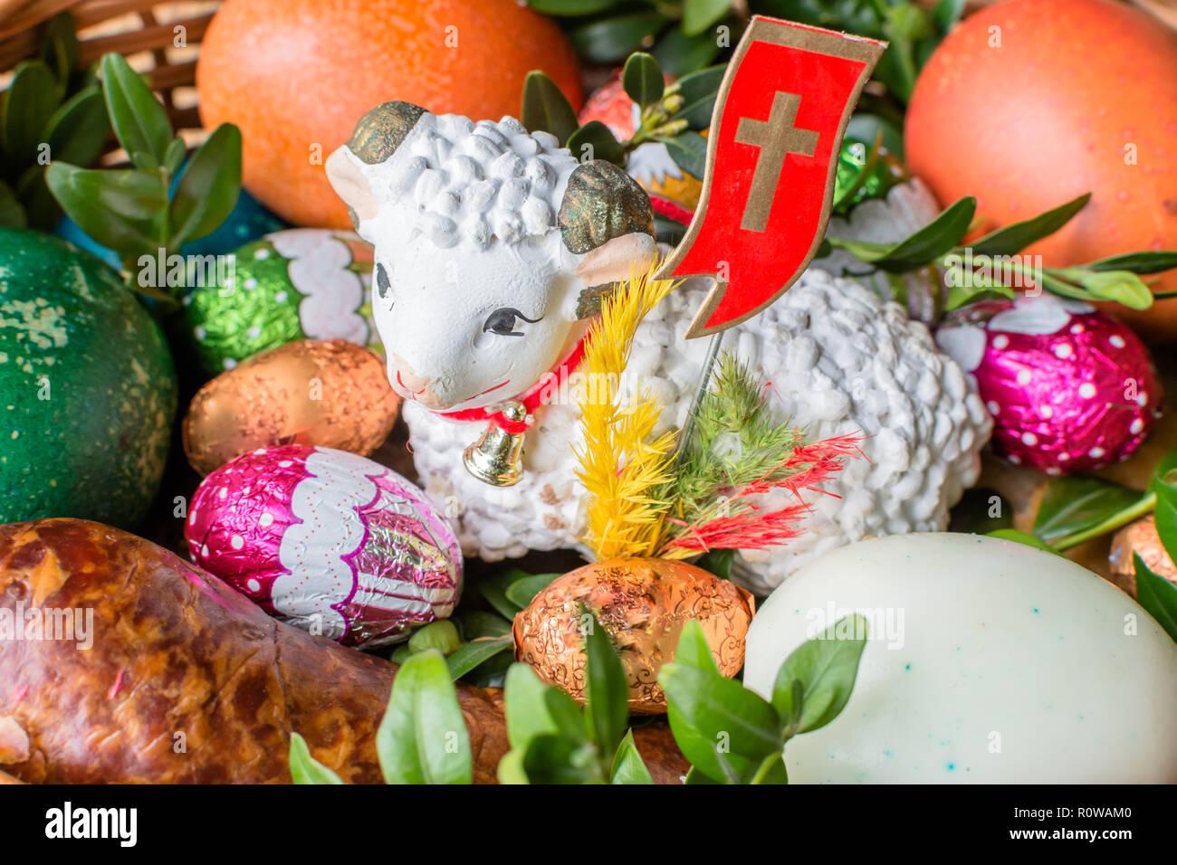Schöne Traditionelle Ostern Korb Mit Essen Für Segen Polnische