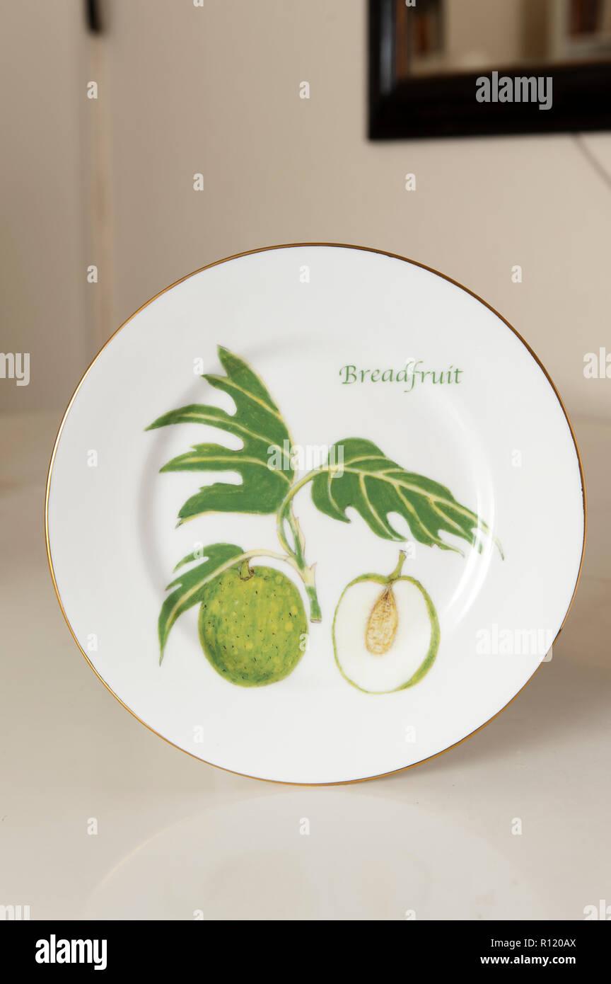 Brotfrucht malte auf Platte Stockbild