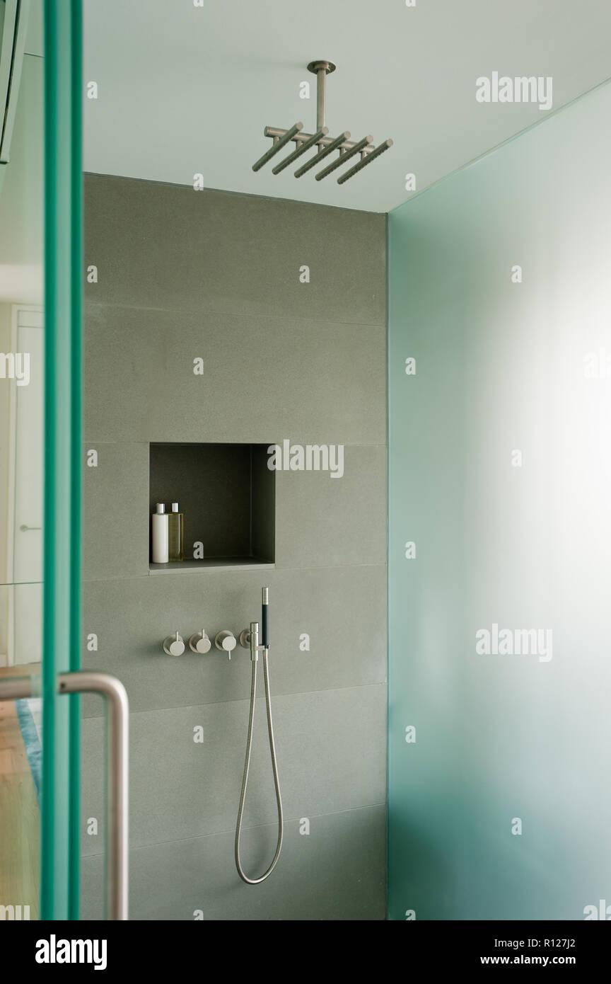 Moderne Duschkabine Stockfoto Bild 224399338 Alamy