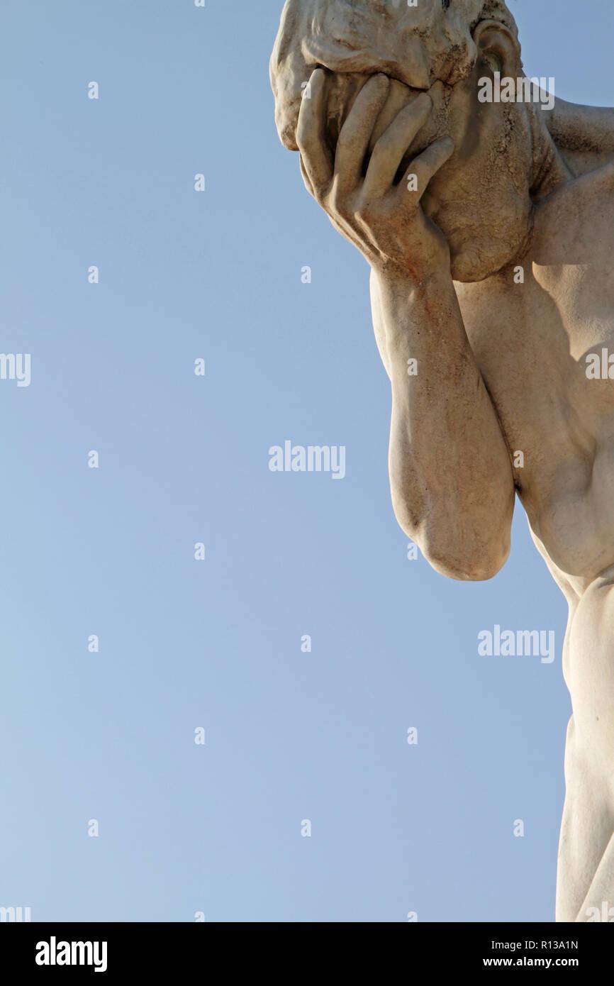 Facepalm Statue in Paris, Frankreich Stockbild