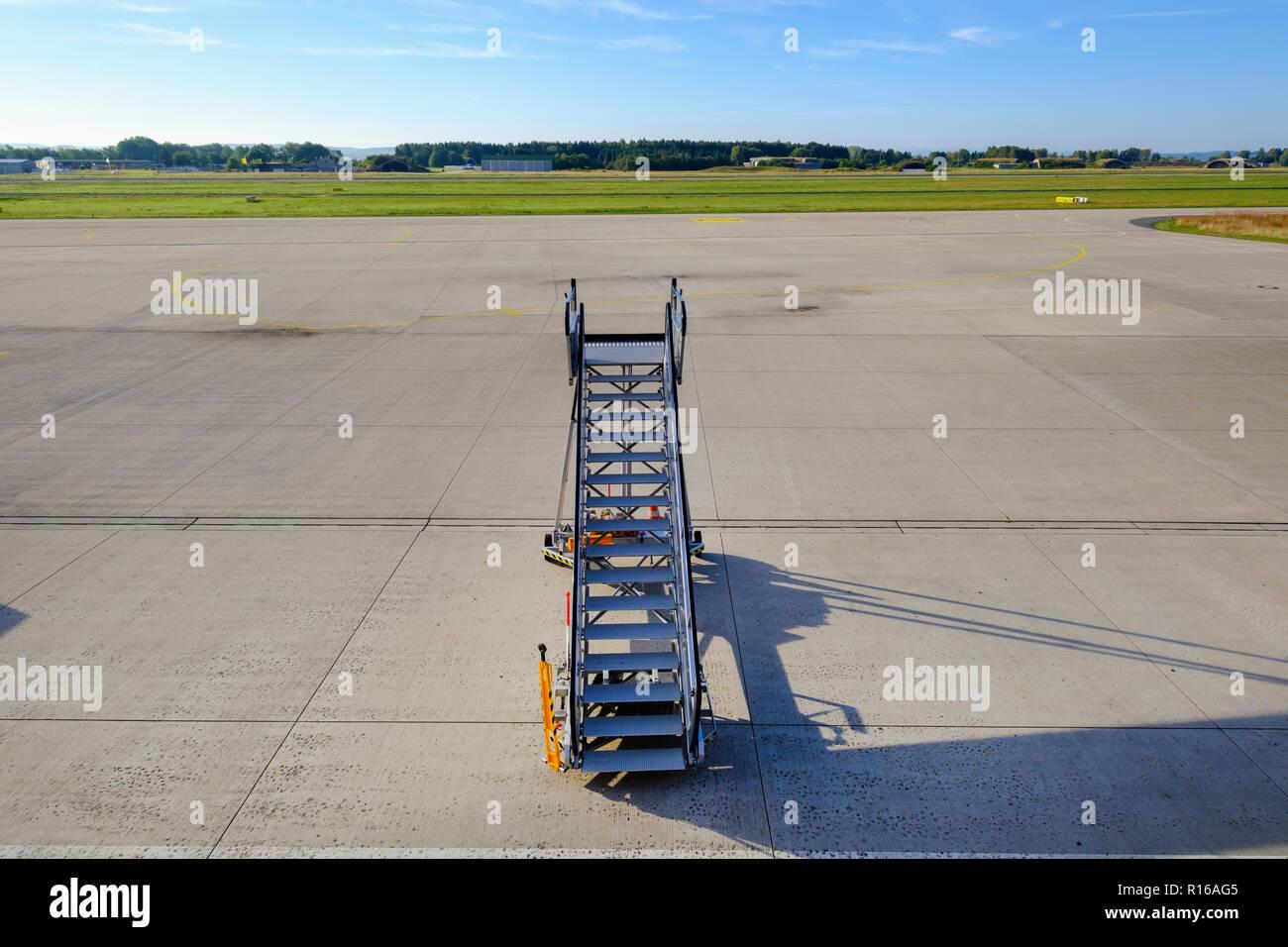 Gangway Passagier Treppen Warten Auf Leere Airfield Allgäu
