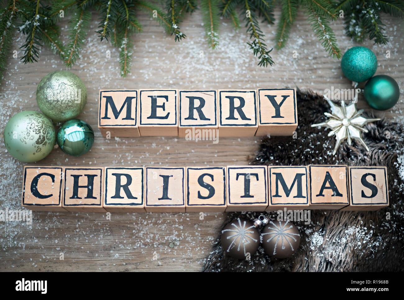 Buchstaben Frohe Weihnachten.Holzwürfel Mit Buchstaben Form Der Englische Text Frohe Weihnachten