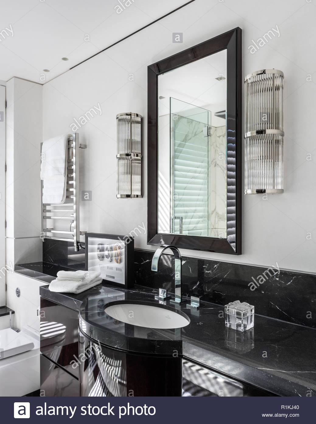 Art Deco Stil Badezimmer Stockfoto Bild 224780752 Alamy