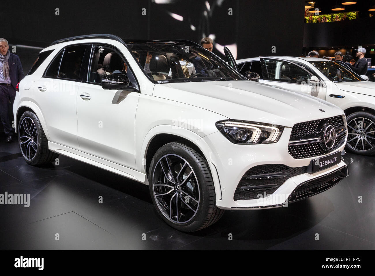 paris okt 3 2018 neue 2019 mercedes gle 450 4matic. Black Bedroom Furniture Sets. Home Design Ideas