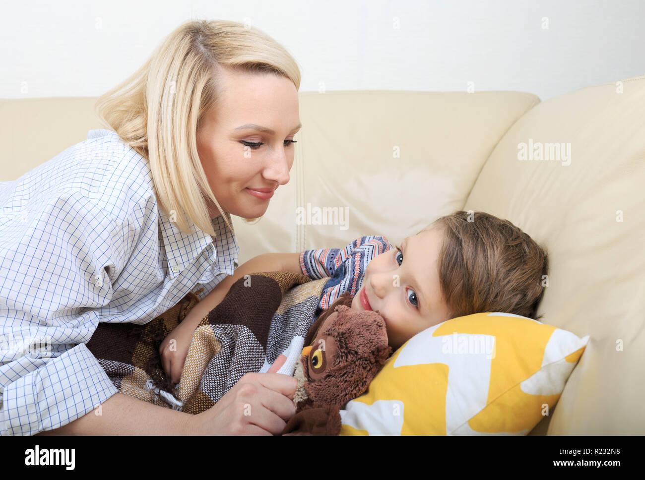 Mutter Sohn Zu Schlafen Mutter Sohn Zu Bett Süße Schlafendes