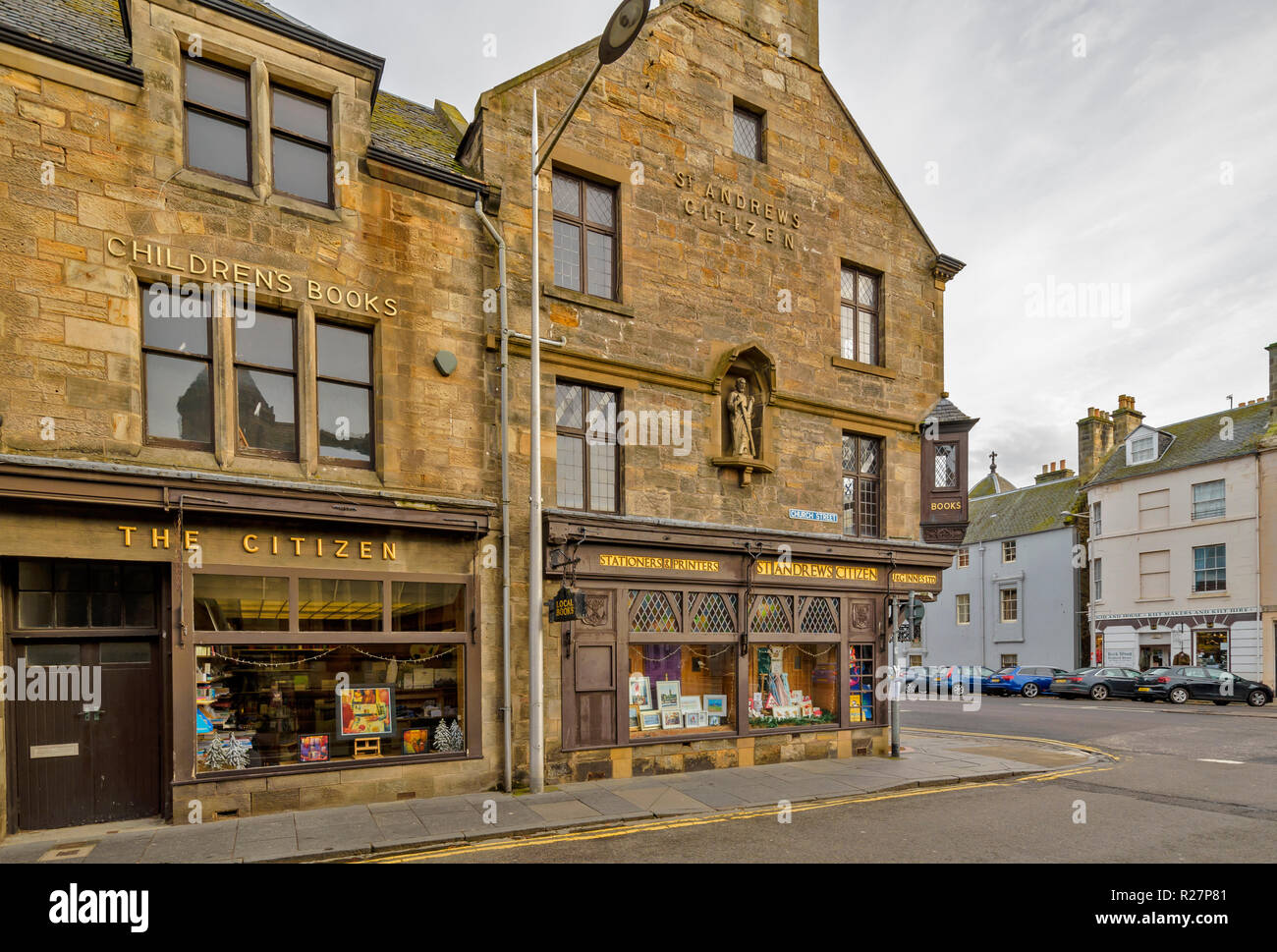 ST ANDREWS FIFE SCHOTTLAND St. Andrews BÜRGER EIN ALTES GEBÄUDE UND SHOP IN der Church Street Stockbild