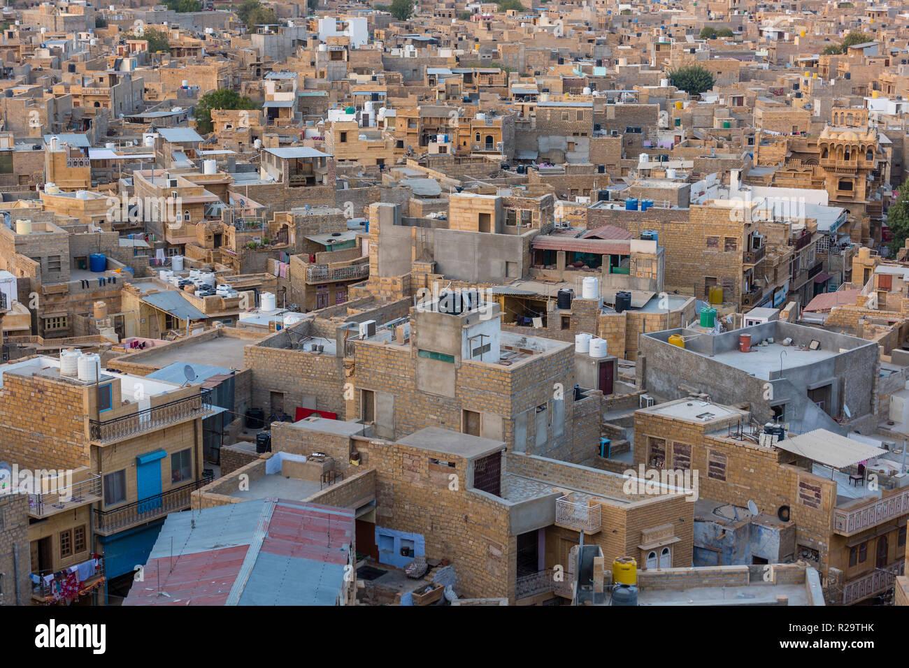 Blick auf die Stadt Jaisalmer in den Wüstenstaat Rajasthan im Westen Indiens Stockbild