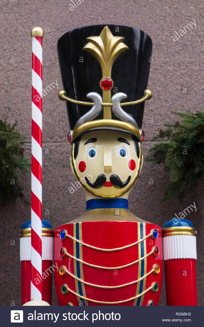 Nussknacker Puppe Teil Von Christbaumschmuck Stockfoto Bild