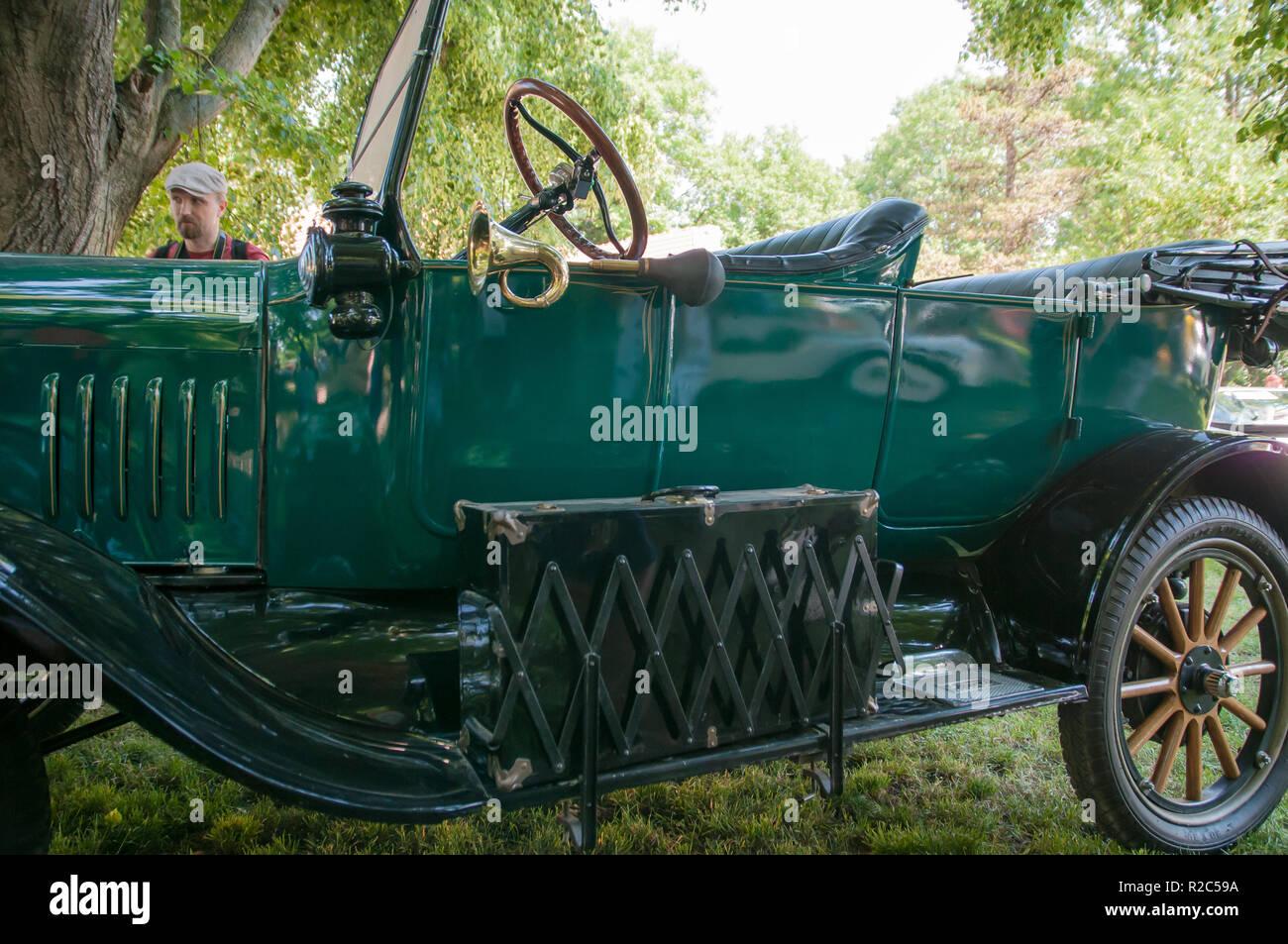 Ford Modell T (auch als Tin Lizzie, metallische Liza oder Flivver, Kraksn) wurde ein Auto von der Ford Motor Company Henry Ford von 1908 bis 1927 produziert. Stockbild