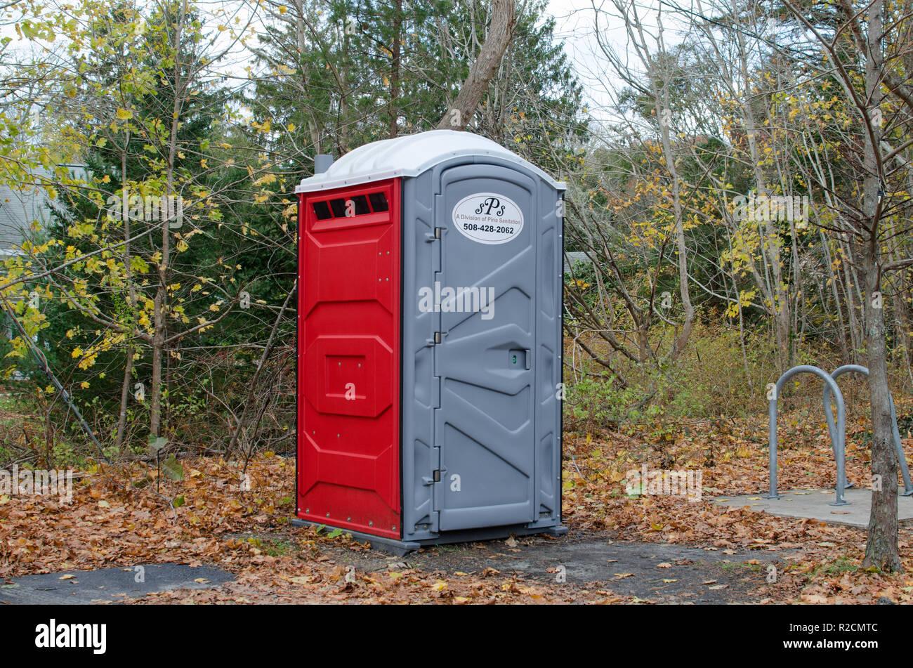 Chemische toilette stockfotos & chemische toilette bilder alamy