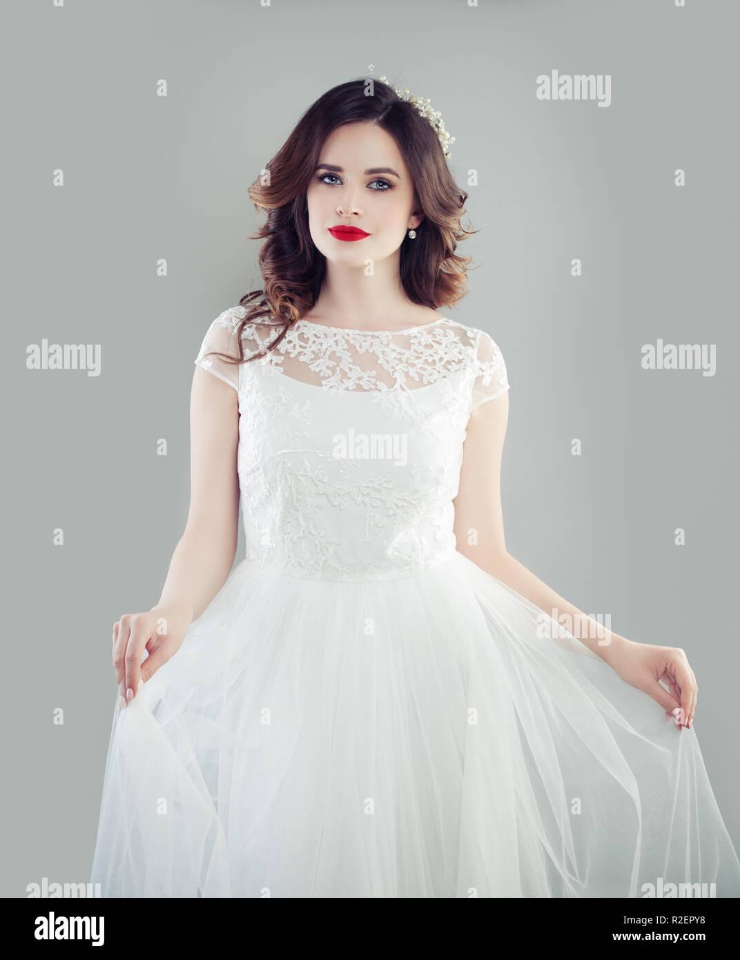 Schone Braut Frau Tragen Modische Hochzeit Kleid Stockfotografie Alamy